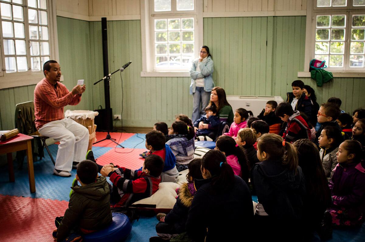 niñas violinistas presentacion vive la musica amigos de panguipulli